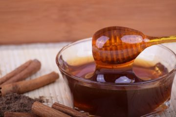 Μέλι σε πιάτο