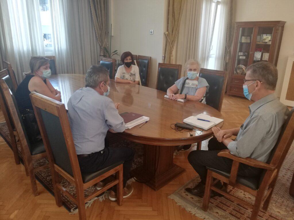 Συνάντηση με εκπροσώπους των σχολικών καθαριστριών του Δήμου Κοζάνης